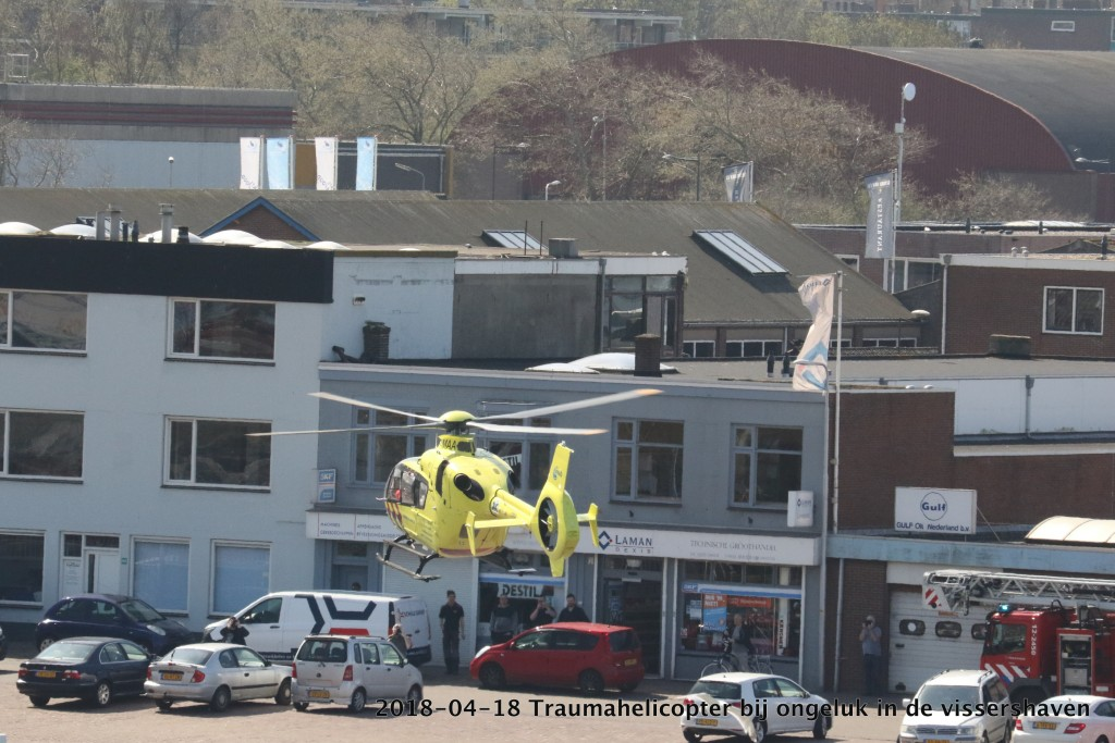 2017-04-18 Trauma helicopter in Vissershaven - 00004