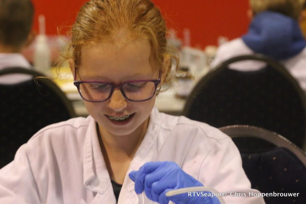 2018-10-24 Kinderen ontdekken laboratorium Hoogovenmuseum - 12
