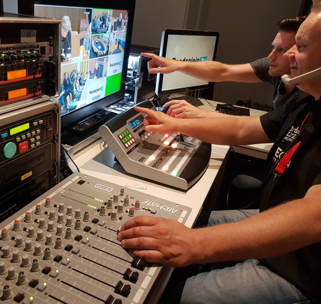 Donderdag 28-11 Raadsplein TV live