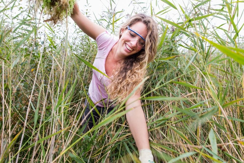 Jongeren helpen de natuur